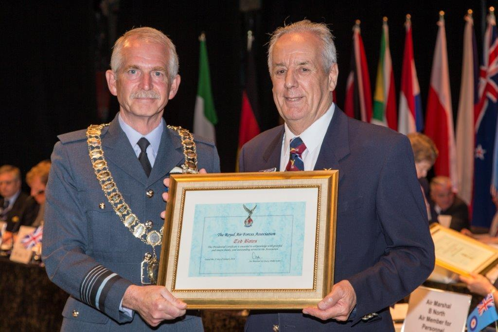 Chairman Ted Bates receives National Presidential Certificate, Annual Conference, 2013